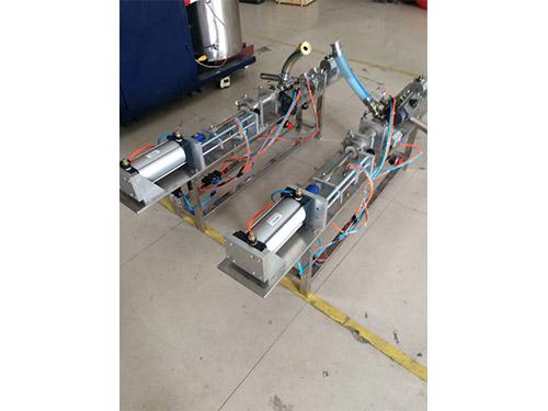 真瓷胶灌装机
